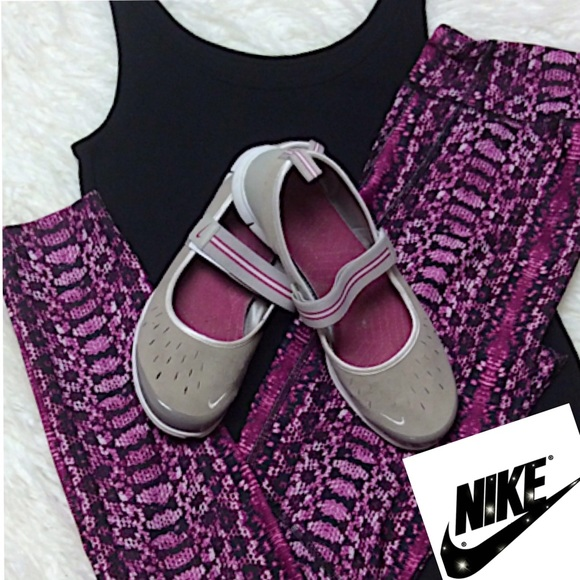 best service 69b22 5aa63 NIKE MARY JANE SI ACTIVE SHOES. M 5c6f9d9f03087c9c682d7b94